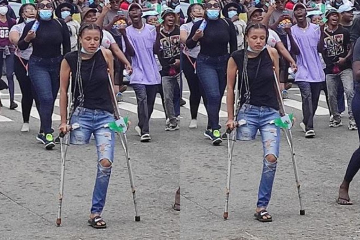 Nigerian Youths Donate, N500K Within 30 Minutes To Buy Prosthetic Leg For Disabled Lady Who Joined The #EndSARS Protest (Photos+Videos)