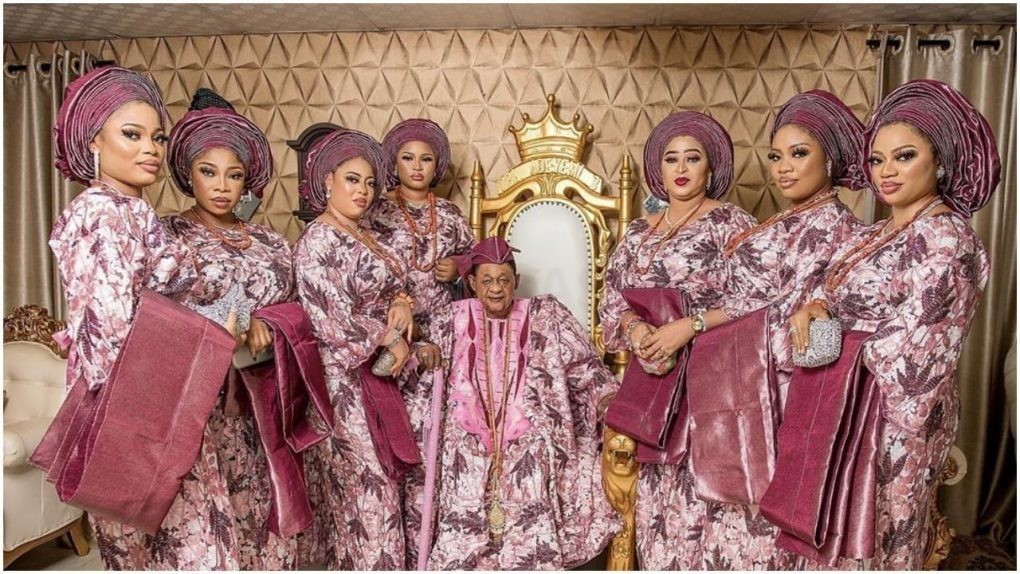 2 queens allegedly dump Alaafin of Oyo after he locked up one in a cell (details)