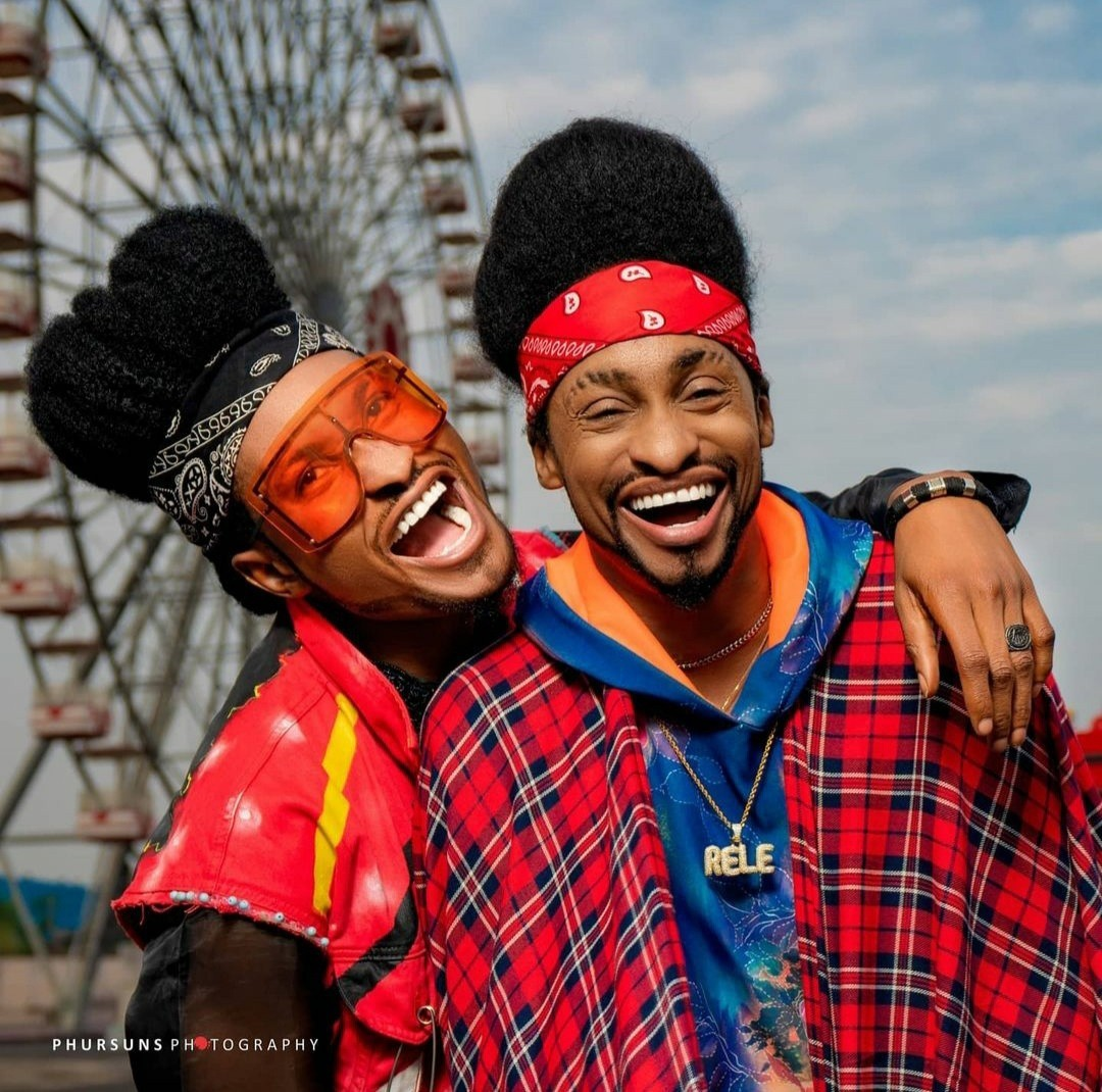 """Time to start questioning our parents"""" Denrele says as he meets and poses with his doppelganger (photos)"""