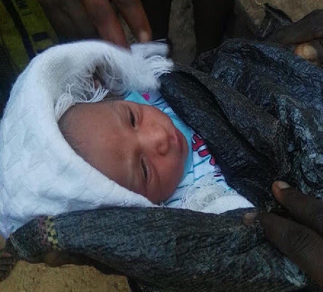 Man Found Abandoned Baby In A Sack By The Roadside In Akure.