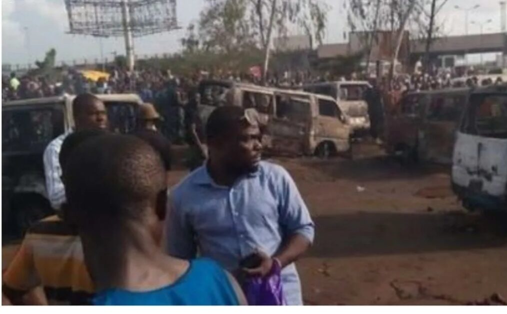 Many dead as bus crashes into petrol tanker in Anambra