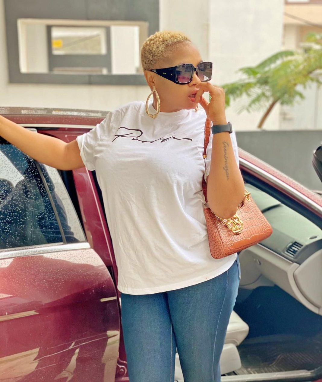"""""""Last Year i was Broke to Stupor i didnt even have 5k…I cried Like a Baby"""" – Yoruba Actress, Funmi Awelewa opens up on what Temitope Solaja did to her, how she had to leave Ibadan"""