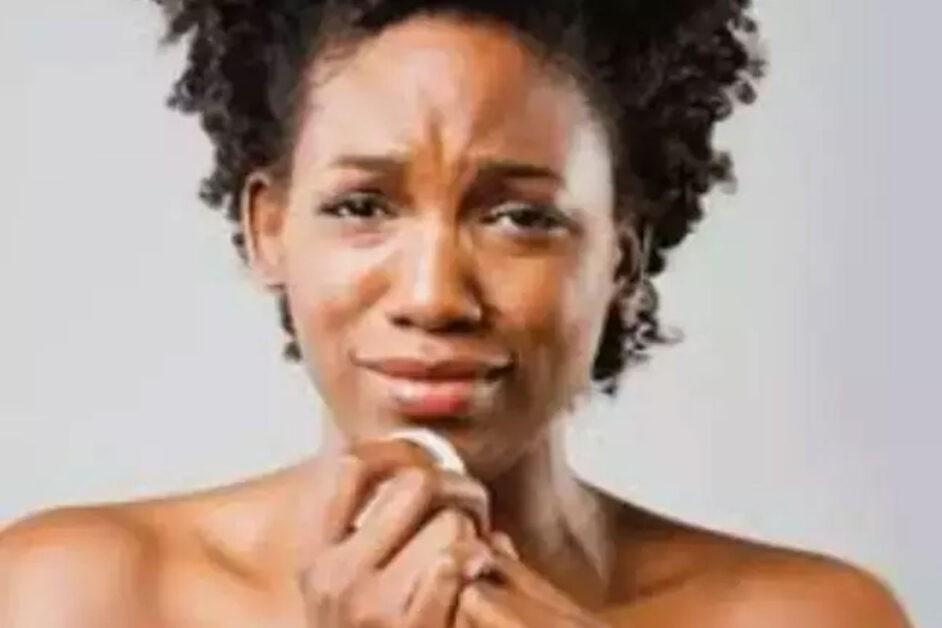 'My Boyfriend Is A Fool For Buying An iPhone For His Mum Whiles I'm Using An Android' – Lady