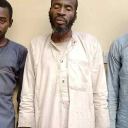 Police arrest father, son and grandson for murder