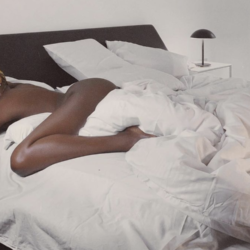 Singer, Seyi Shay Shares Bedroom Photos Of Herself Wearing Nothing